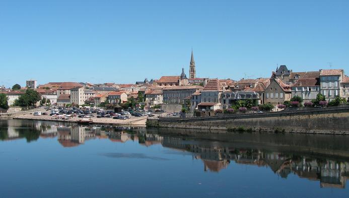 Bergerac r fl chit un passage en r gie de sa - Bergerac piscine municipale ...